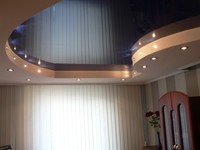Двухуровневый матовый натяжной потолок в спальню